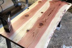 live-edge-sculpting-redwood-wooden-office-desk-4